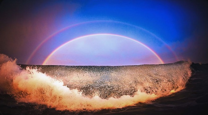 A Photographer Captures Smashing Photos Of The Ocean