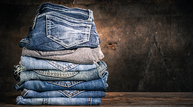 This Unique Technolgy Can Turn Your Old Jeans Into Brand New Jeans