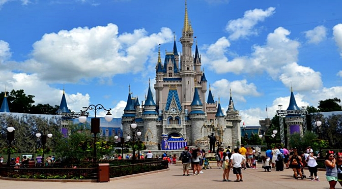 This Company Is Paying $4000 To Test Theme Parks In Florida